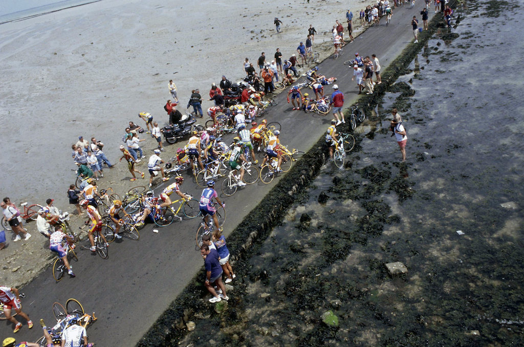 Causeway for concern – Tour de France 1999