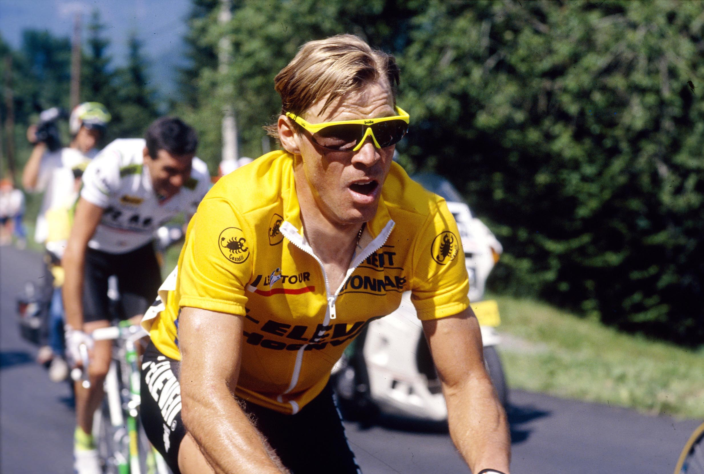 Canadian Steve Bauer wears the Yellow Jersey at the Tour de France in 1990