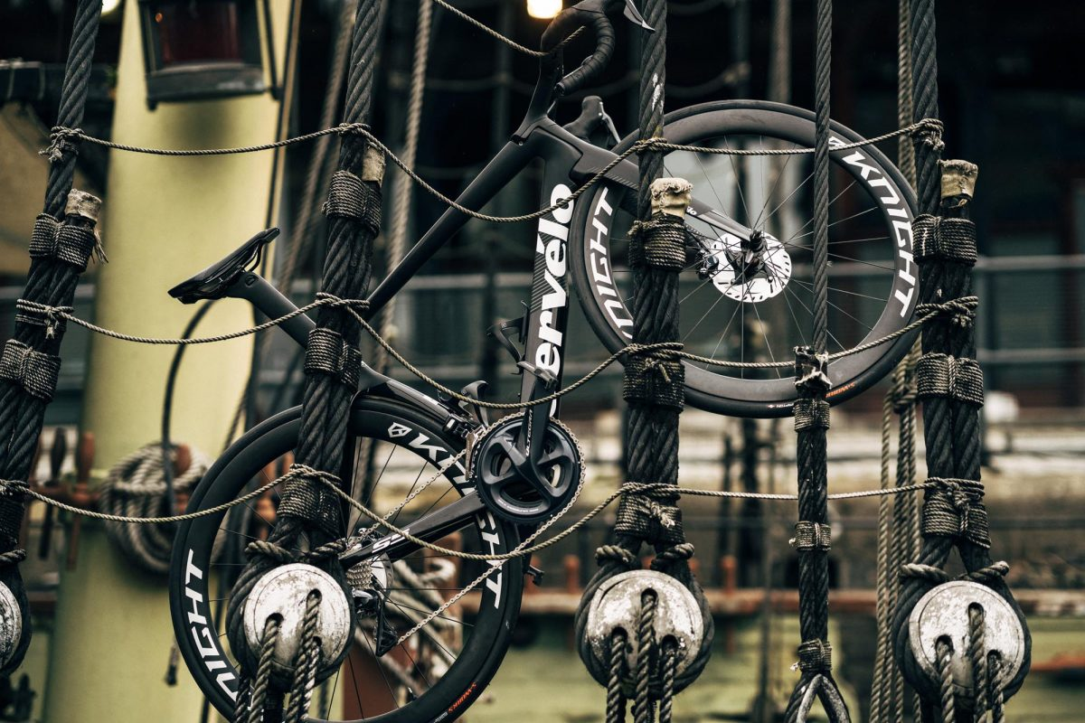 5 tips for photographing your bike, Desire style